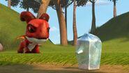 IO - Elbone having put down an ice sculpture