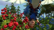 HA - Dak grabbing berries
