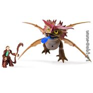 Valka and Cloudjumper Toy 3
