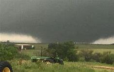 The Noble, Oklahoma EF5 near peak strength.