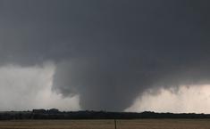 Tornado at peak strength at 8:22 PM.
