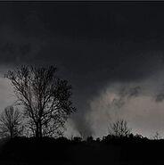 255px-Tornado in Mississippi, 2015