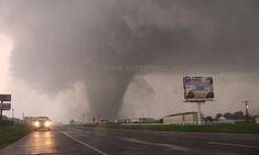Tornado near peak strength at 5:25 PM.