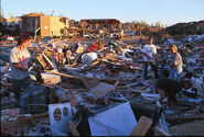 1024px-FEMA - 3822 - Photograph by Andrea Booher taken on 05-01-1999 in Oklahoma
