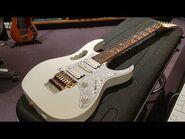 Ibanez Jem7V WH White Steve Vai Guitar (2004) - Up Close Video Review