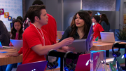 ICarly-iPear-Store-Episode-6.png