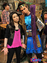 Carly-Spencer-at-the-webicon-carly-and-spencer-shay-17450787-375-500.jpg