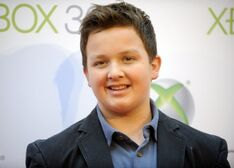 Actor-noah-munck-attends-the-premiere-project-natal-for-xbox-360-los-angeles.jpg