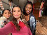 Miranda Cosgrove, Laci Mosley and Jaidyn Triplett on set May 21, 2021
