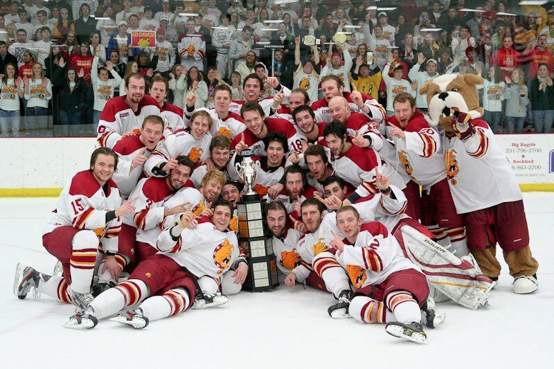 2011 NCAA Division I champions Ferris State Bulldogs.jpg