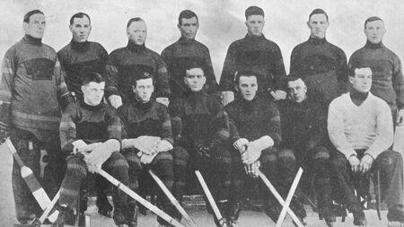 1924-25 Bruins Team pic.jpg