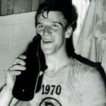 1970-Orr celebrates.jpg