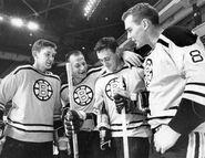 2Oct1967-Stanfield Shack Espo Hodge gold jersey