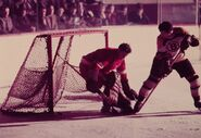 18Dec1951-Peirson scores on Sawchuk