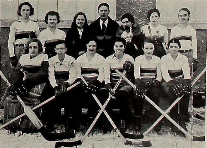Queens Golden Gaels women's ice hockey