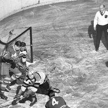 1949-Brimsek-Crawford-Peters-Thompson vs Leafs.jpg