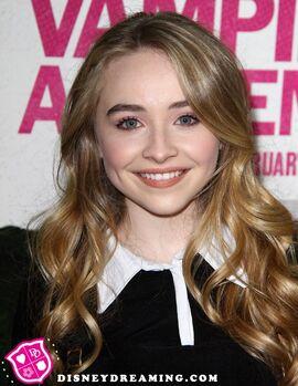 Sabrina-Carpenter-Vampire-Academy.jpg
