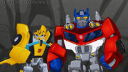 Optimus Prime and Bumblebee from ´´ Transformers Rescue Bots ´´