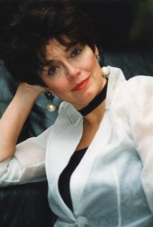 Kathleen Barr.png