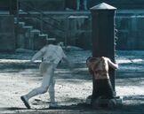 Gale biczowany przez Threada