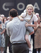 Prim-and-Gale-the-hunger-games-movie-30278506-320-411