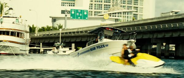 Miamipolice2.jpg