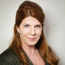 Portraitbild von Dr. Vera Bader.jpg