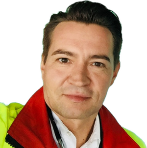 Markus Neumann spielt Dr. Daniel Lorenz.png