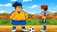 Sakamoto con el uniforme del Raimon (EP28CS)