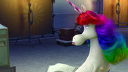 Unicornio Arcoíris no muy impresionada