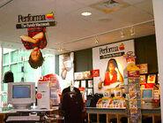Apple Company Store Performa Center 1997