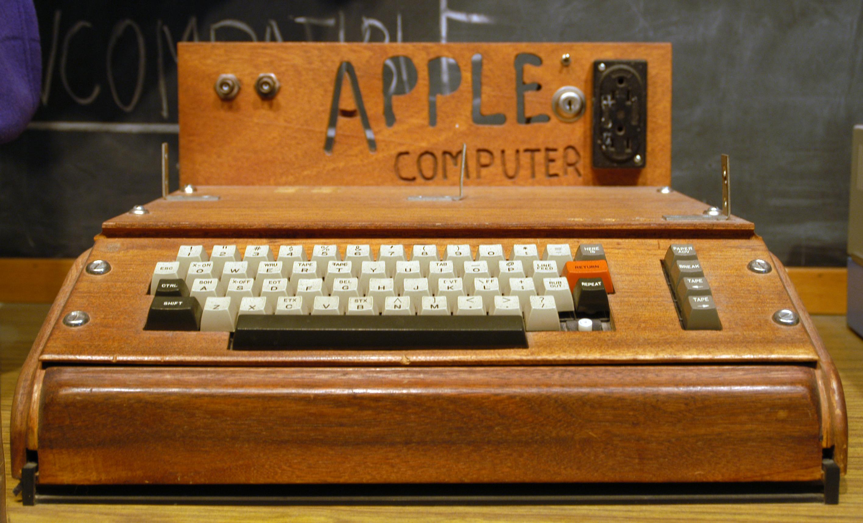 Apple I Computer at Smithsonian.jpg