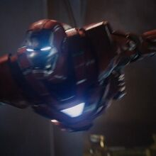 Anthony Stark (Earth-199999) with Iron Man Armor MK XXXIII (Earth-199999) from Iron Man 3 (film) 002.jpg