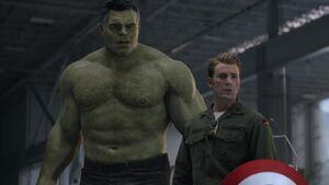 Avengers-endgame-captain-america-hulk-1170868-1280x0