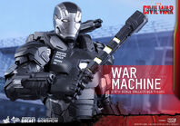 Marvel-war-machine-sixth-scale-captain-america-civil-war-hot-toys-902621-06