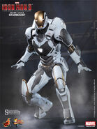 Hot-Toys-2014-Iron-Man-3-Gemini-Iron-Man-Starboost-Mark-39-MMS-Figure