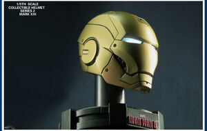8PCS-LED-The-Avengers-2-Iron-Man-3-Movie-1-5-Scale-Collectible-Helmet-Series-Iron (1)