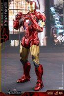 Iron-Man-Mark-6-Die-Cast-Hot-Toys-Movie-Masterpiece-Series-Figure-640x960