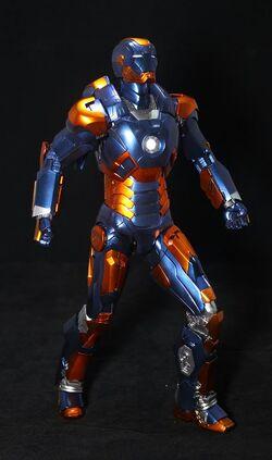 自創-Hottoys-Iron-Man-Mark-18-and-Mark-27-玩具點評5.jpg