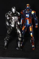 自創-Hottoys-Iron-Man-Mark-18-and-Mark-27-玩具點評2