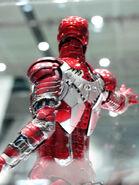 Hot-toys-iron-man-mark-5-2