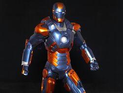 自創-Hottoys-Iron-Man-Mark-18-and-Mark-27-玩具點評4.jpg