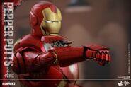 Hot-Toys-Iron-Man-3-Pepper-Potts-Mark-IX-Collectible-Figures-Set PR15