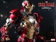 Hot-Toys-Iron-Man-3-Heartbreaker-Mark-XVII-Limited-Edition-Collectible-Figurine PR8