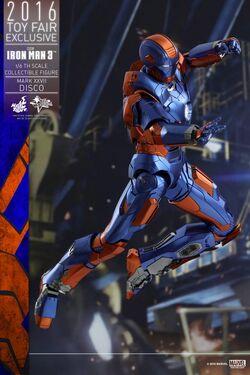 Hot-Toys-Iron-Man-3-Disco-Mark-XXVII-Collectible-Figure PR5-600x900.jpg