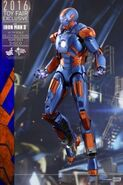 Hot-toys-iron-man-3-disco-armor-1-7c252