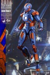 Hot-toys-iron-man-3-disco-armor-1-7c252.jpg