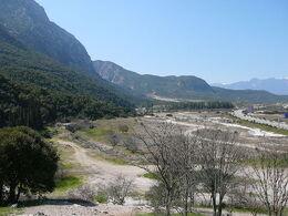 800px-Thermopylae ancient coastline large.jpg