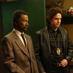 9x09 The Gang Makes Lethal Weapon 6 - 3.jpg