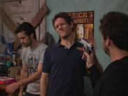 1x5 Charlie aims at Dennis and Mac